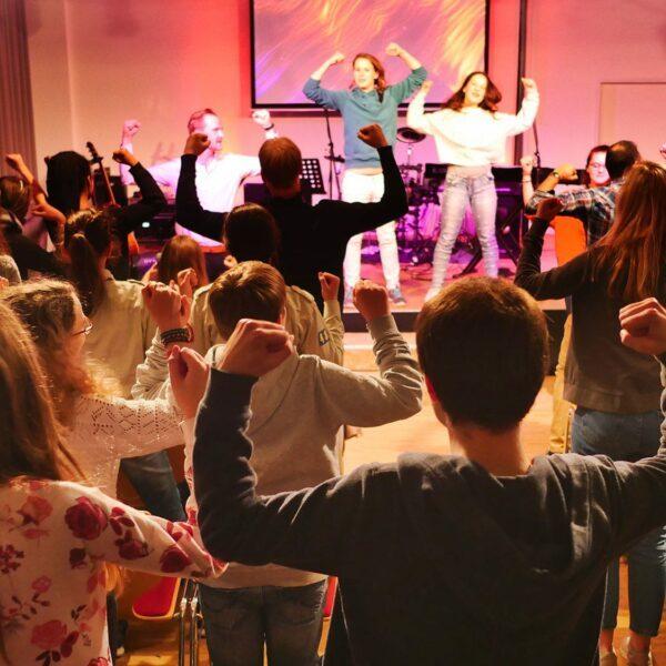 All4the1 – stadtweiter Jugendgottesdienst